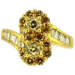 Vintage 18 Karat Yellow Gold Ladies Ring with Diamonds, 1970