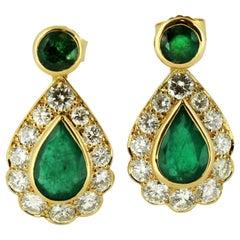 Vintage 18 Karat Yellow Gold Ladies Stud Earrings with Diamonds and Emeralds