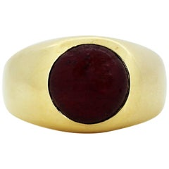 Vintage 18 Karat Yellow Gold Men's Ring with Cabochon Ruby