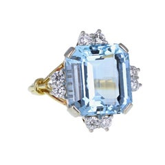 Vintage 18 Carat Gold Aquamarine Diamond Cocktail Ring