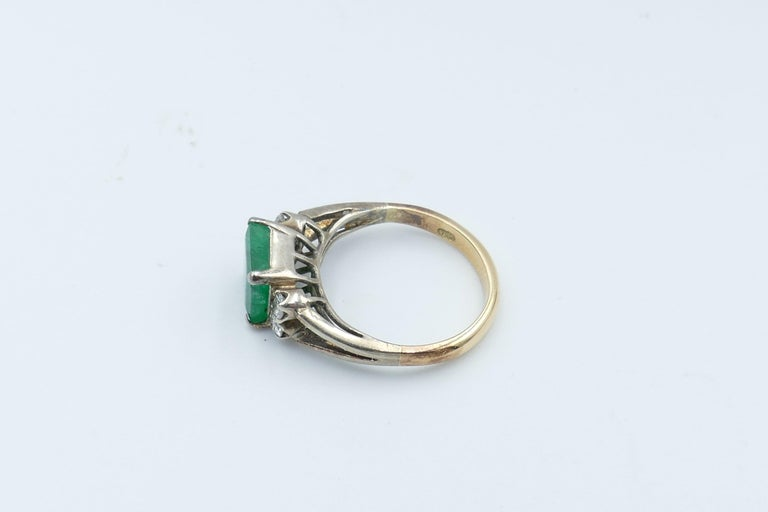 Vintage 18 Carat Rose and White Gold Emerald and Diamond Dress Ring In Good Condition For Sale In Splitter's Creek, NSW