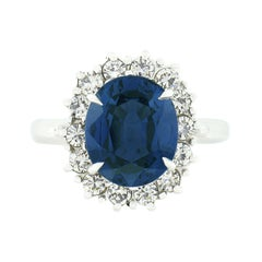Vintage 18k Gold 6.30ct GIA No Heat Oval Sapphire Cocktail Ring w/ Diamond Halo