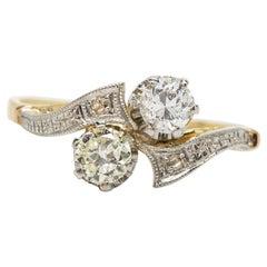 Vintage 18 Karat Gold and Platinum Toi et Moi Diamonds Ring