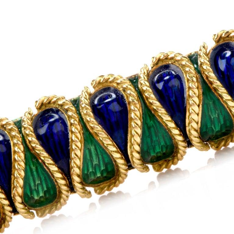 Vintage 18 Karat Italian Serpent Blue Green Enameled Bracelet In Excellent Condition For Sale In Miami, FL