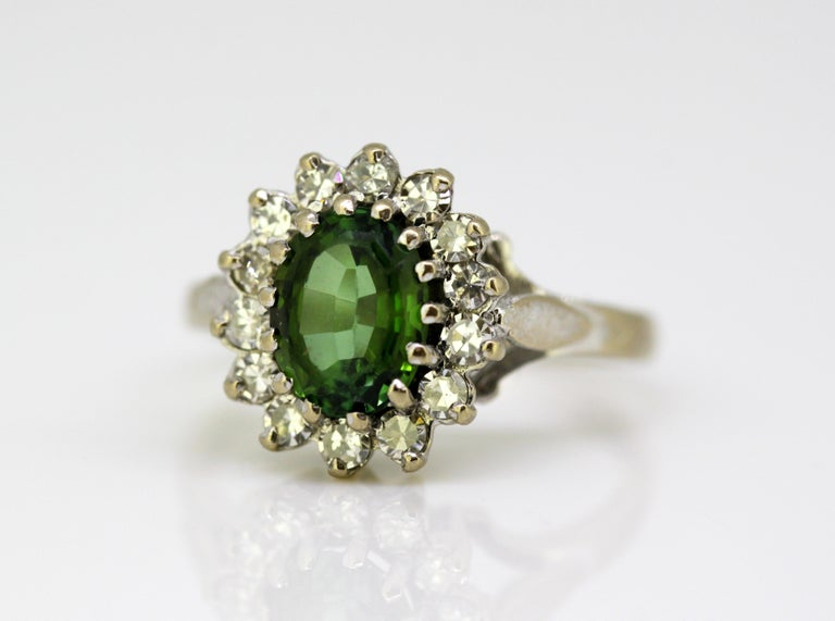 Vintage 18 Karat White Gold Ladies Ring with Green Tourmaline and Diamonds, 1977 For Sale 6
