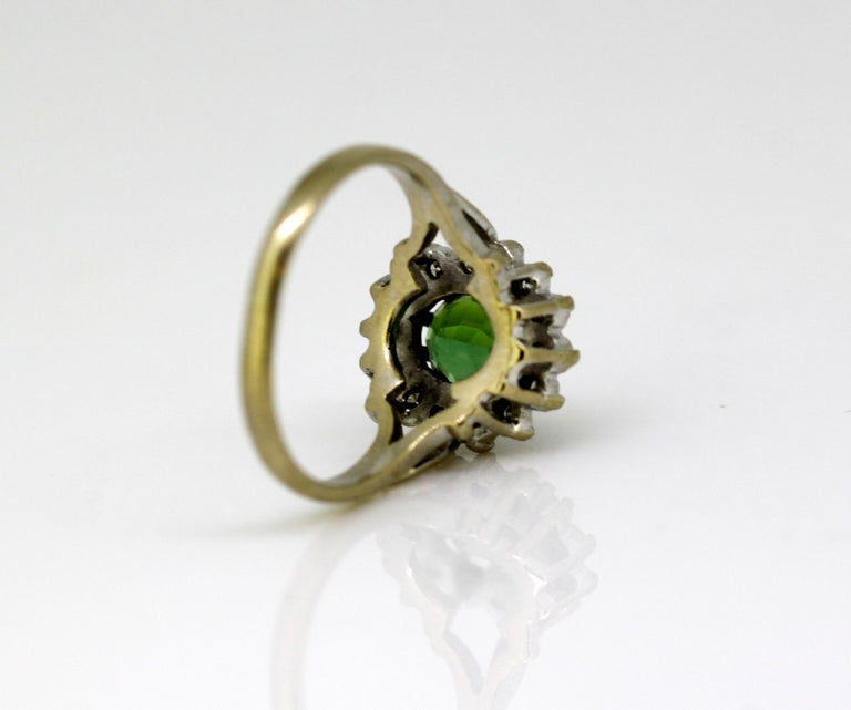 Vintage 18 Karat White Gold Ladies Ring with Green Tourmaline and Diamonds, 1977 For Sale 7
