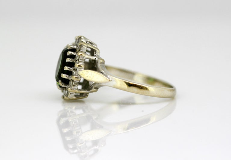 Vintage 18 Karat White Gold Ladies Ring with Green Tourmaline and Diamonds, 1977 In Good Condition For Sale In Braintree, GB