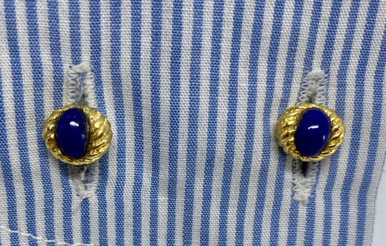 Women's or Men's Vintage 18k Yellow Gold and Lapis Cufflinks For Sale