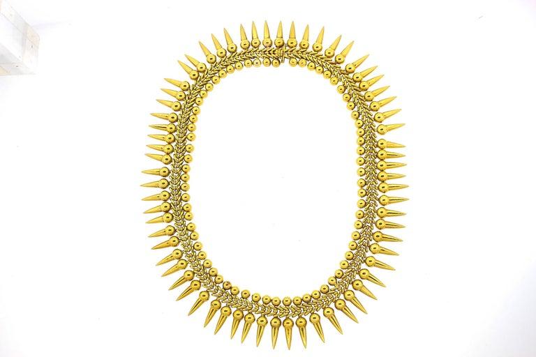 Women's or Men's Vintage 18 Karat Yellow Gold Dart Collar Necklace For Sale