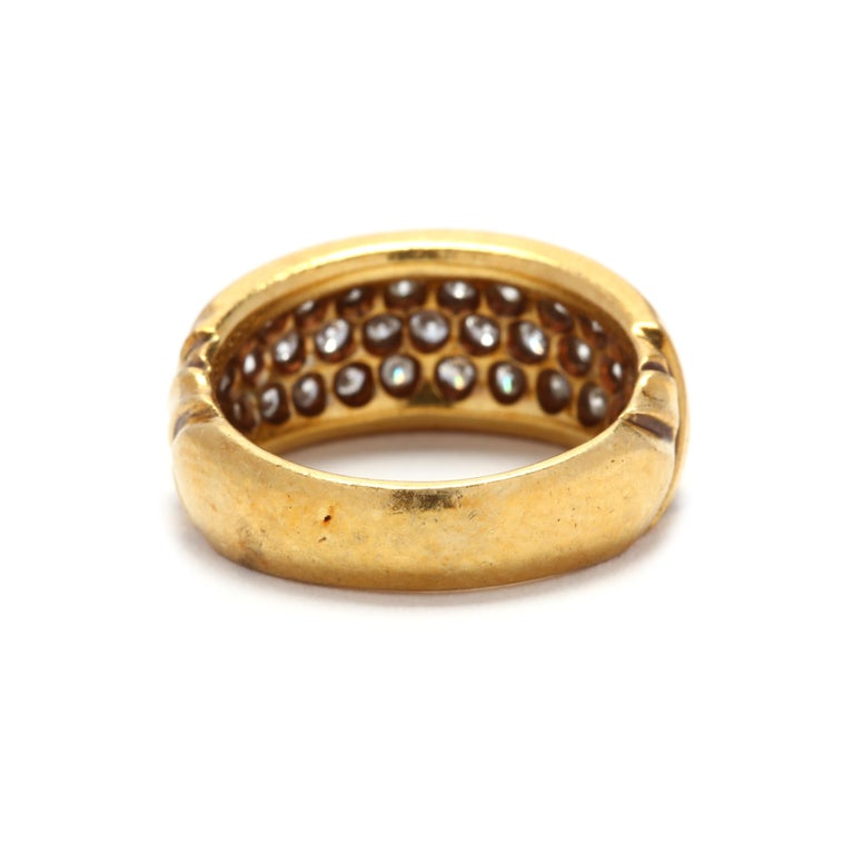Round Cut Vintage 18K Yellow Gold and Diamond Band For Sale