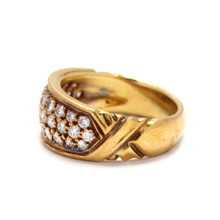 Vintage 18K Yellow Gold and Diamond Band In Good Condition For Sale In McLeansville, NC
