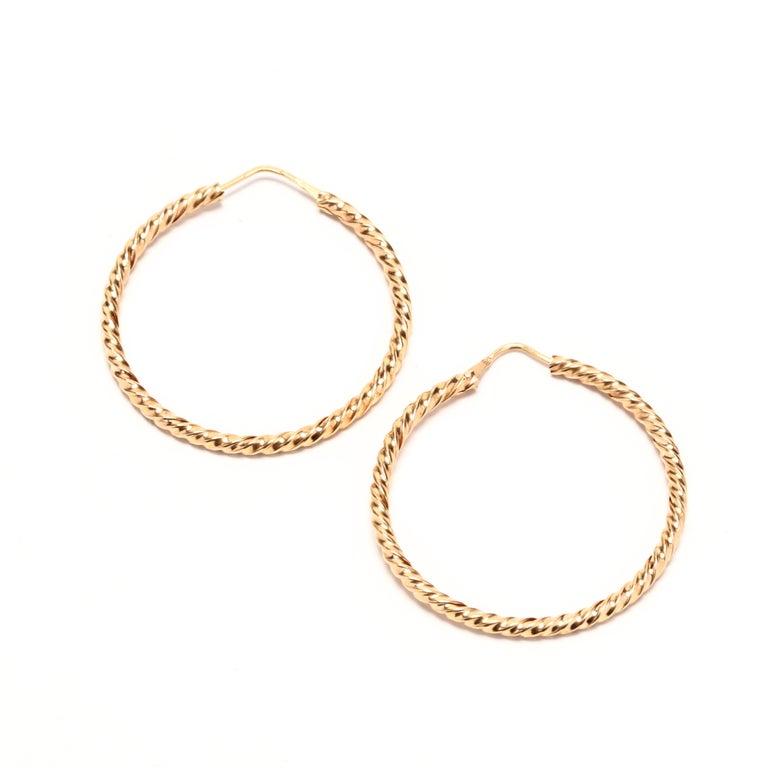 Vintage 18 Karat Gold Twist Hoop Earrings In Good Condition For Sale In McLeansville, NC