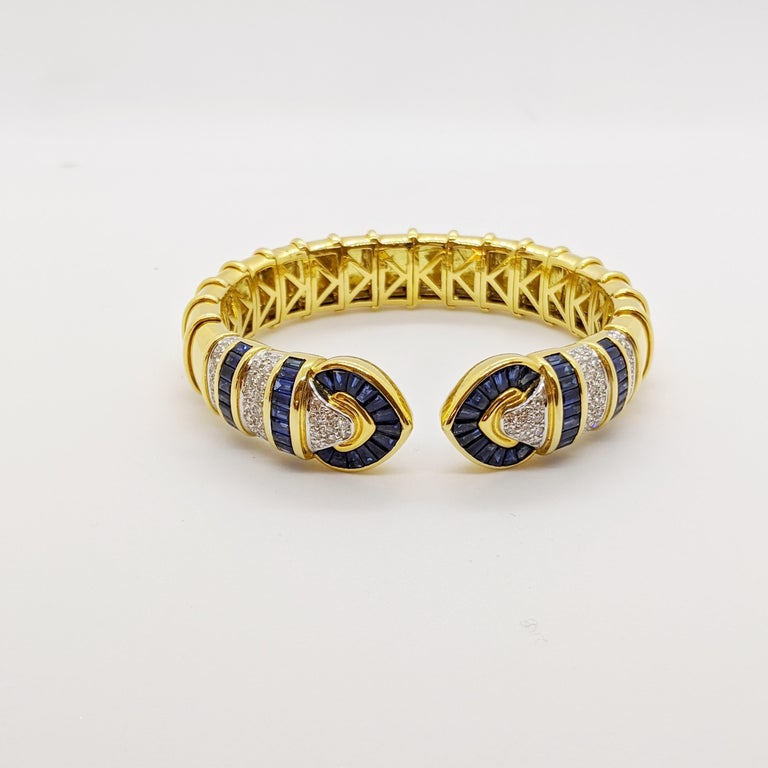 Vintage 18 Karat Gold 1.74 Carat Diamond and 9.87Ct. Blue Sapphire Cuff Bracelet In New Condition For Sale In New York, NY