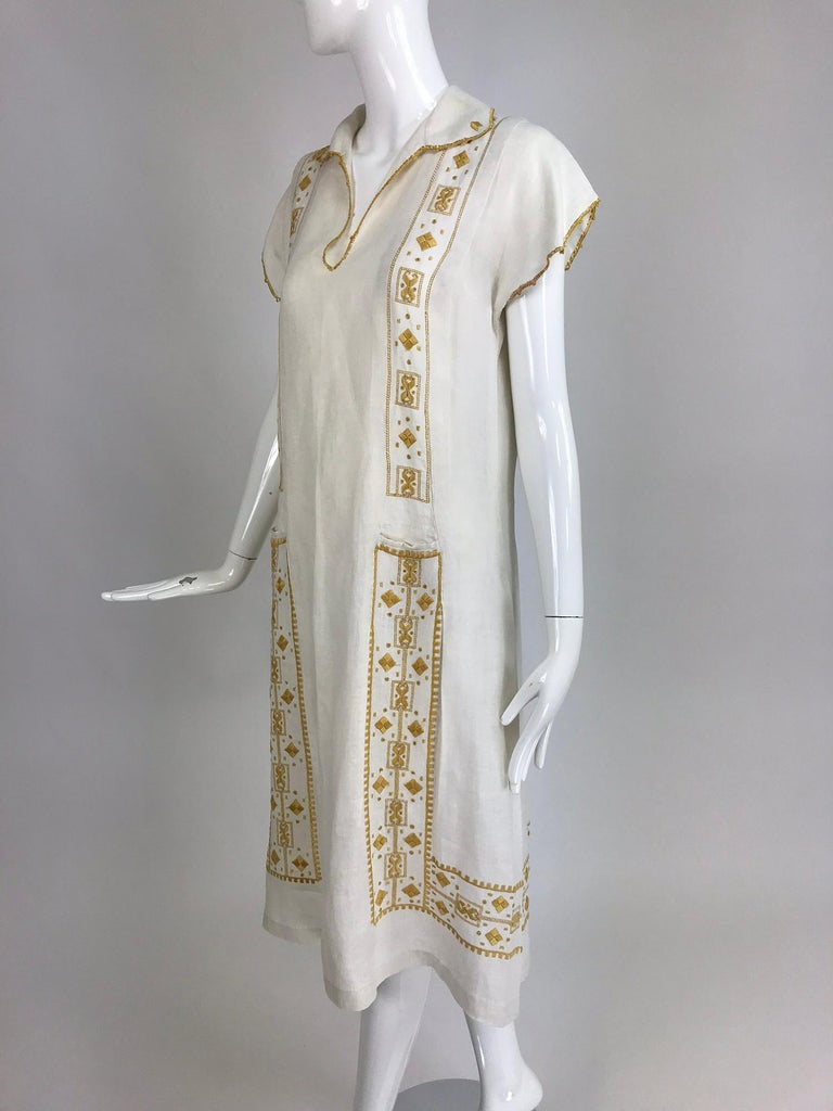 Vintage 1920s Hand Embroidered Arts and Crafts Linen Day Dress For Sale 6