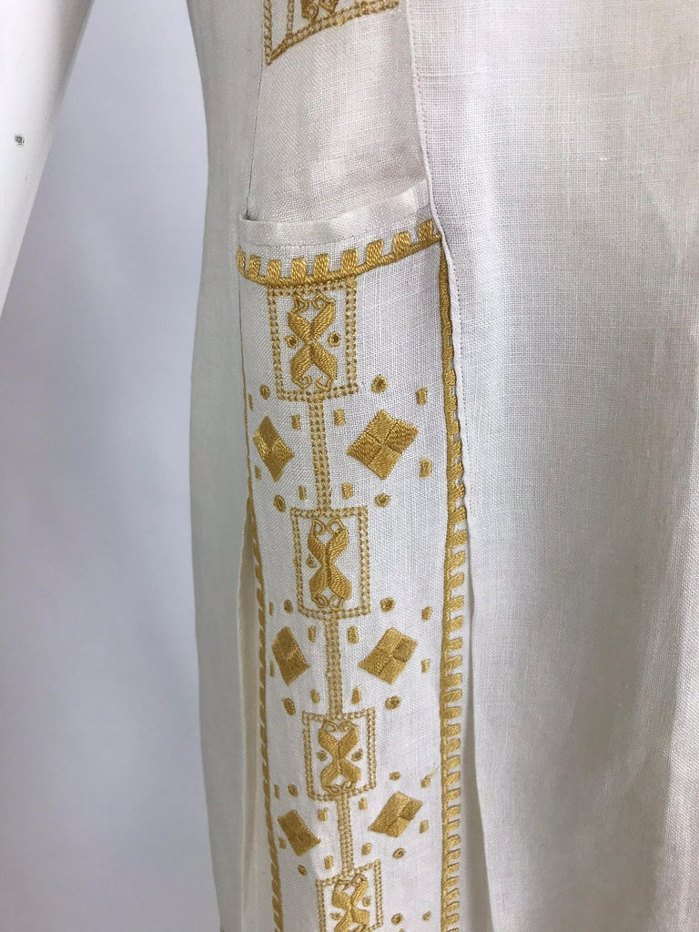 Vintage 1920s Hand Embroidered Arts and Crafts Linen Day Dress For Sale 8