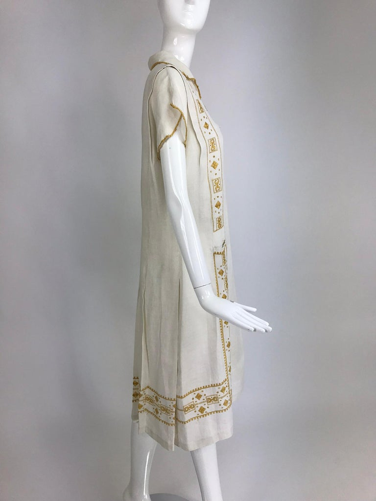 Women's Vintage 1920s Hand Embroidered Arts and Crafts Linen Day Dress For Sale