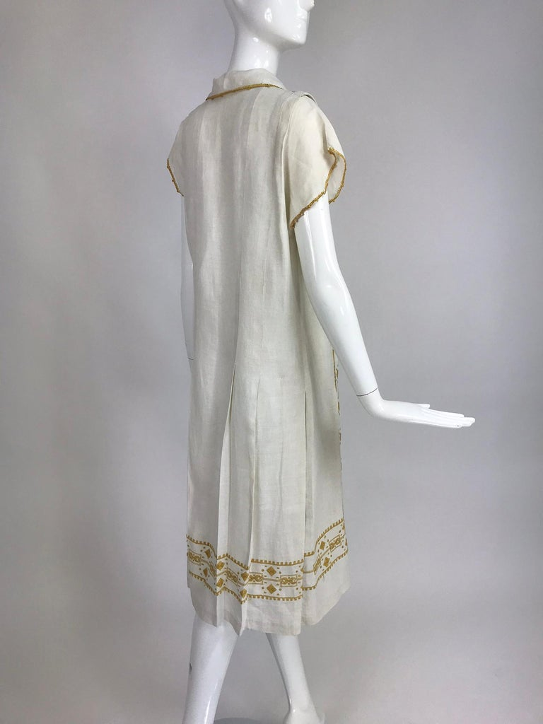 Vintage 1920s Hand Embroidered Arts and Crafts Linen Day Dress For Sale 1