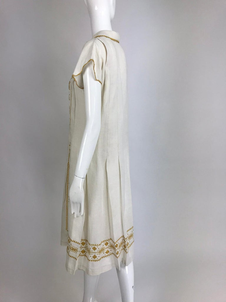 Vintage 1920s Hand Embroidered Arts and Crafts Linen Day Dress For Sale 4