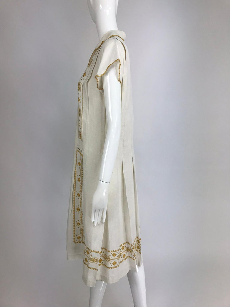 Vintage 1920s Hand Embroidered Arts and Crafts Linen Day Dress For Sale 5