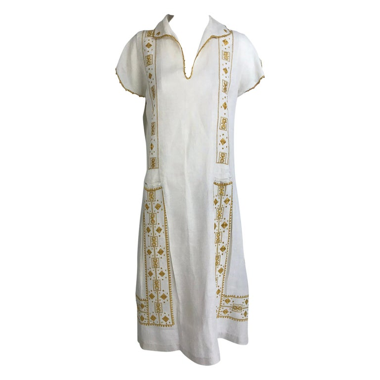 Vintage 1920s Hand Embroidered Arts and Crafts Linen Day Dress For Sale