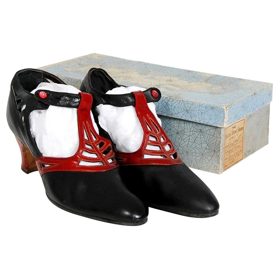 Vintage 1920's Spiderweb Cut-Out Novelty Black & Red Leather Deco Shoes w/ Box