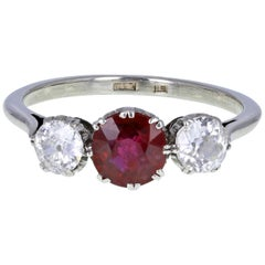 Vintage 1930s 18 Carat White Gold Platinum Ruby Diamond Three-Stone Trilogy Ring
