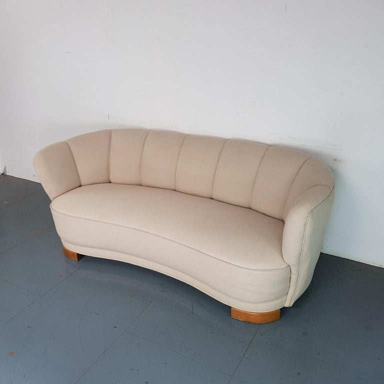 20th Century Vintage 1930s Danish Banana Sofa in Cream / off White For Sale