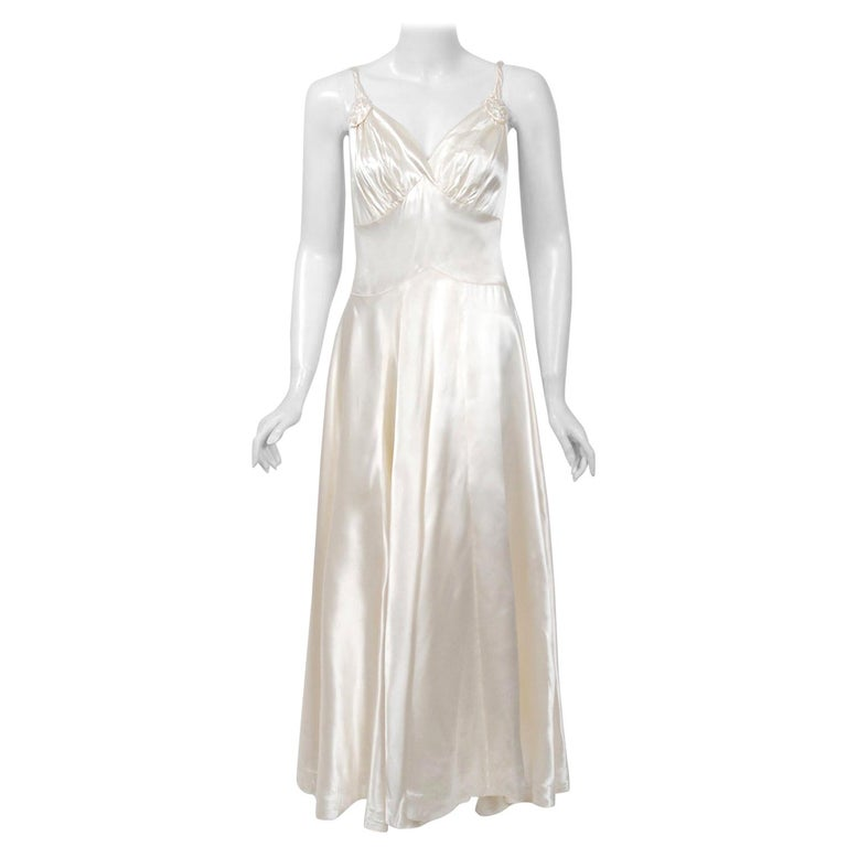 Vintage 1930's Ivory Satin Sculpted Plunge Rosette Appliques Bridal Slip Dress For Sale