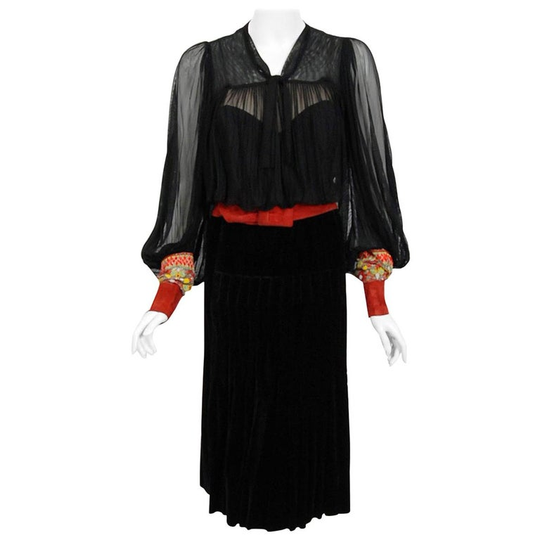 Vintage 1935 House of Worth Haute-Couture Beaded Velvet & Silk Illusion Dress For Sale