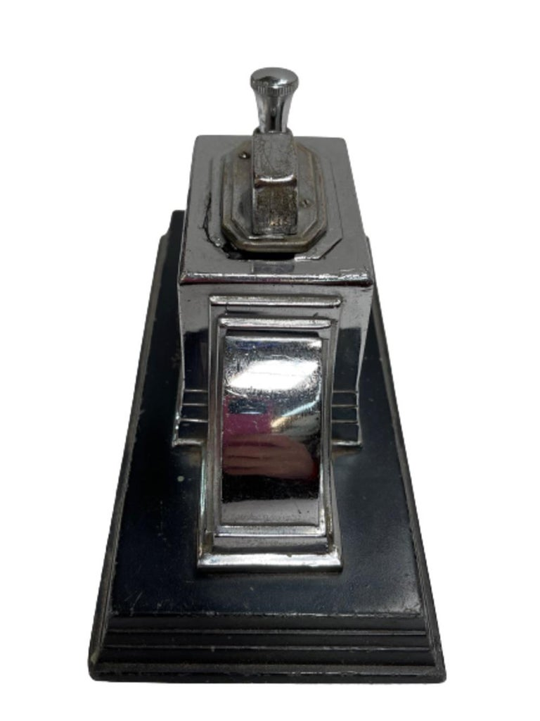 Mid-20th Century Vintage 1939 Art Deco Ronson Touch Tip Table Cigarette Lighter
