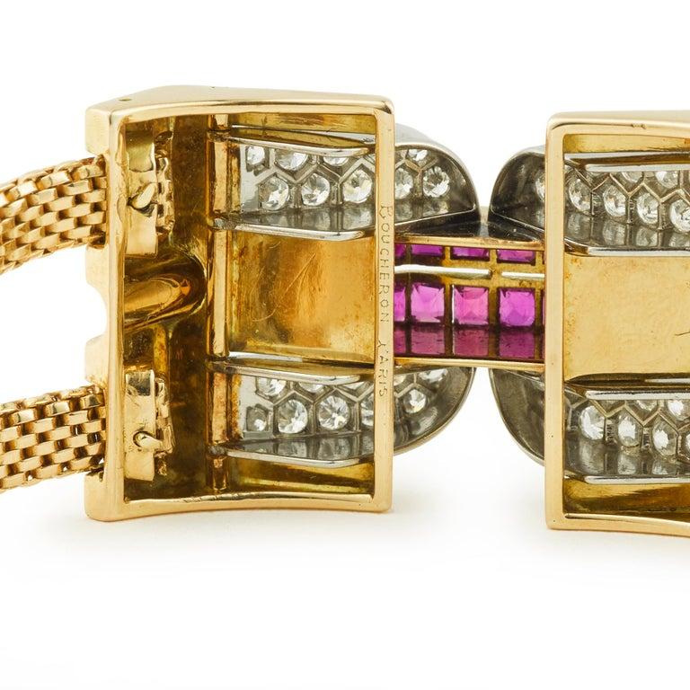 Vintage 1940 Boucheron Diamonds Ruby 18 Karat and Platinum Secret Wristwatch In Excellent Condition For Sale In Paris, FR