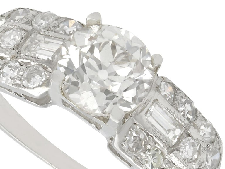Round Cut 1940s 1.20 Carat Diamond and Platinum Cocktail Ring For Sale