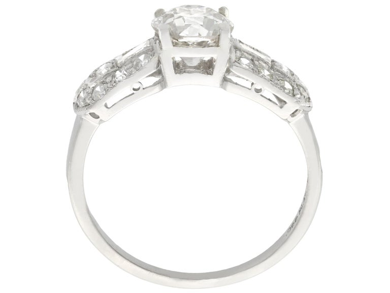 Women's 1940s 1.20 Carat Diamond and Platinum Cocktail Ring For Sale