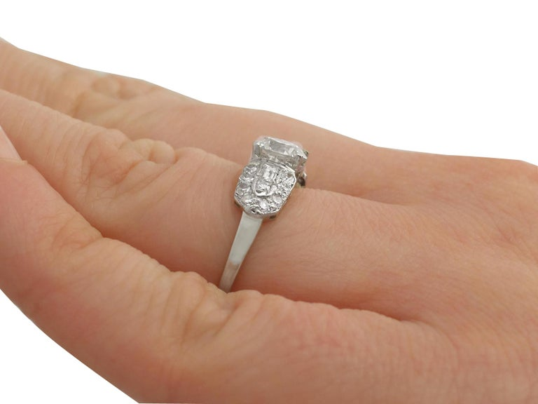 1940s 1.20 Carat Diamond and Platinum Cocktail Ring For Sale 2