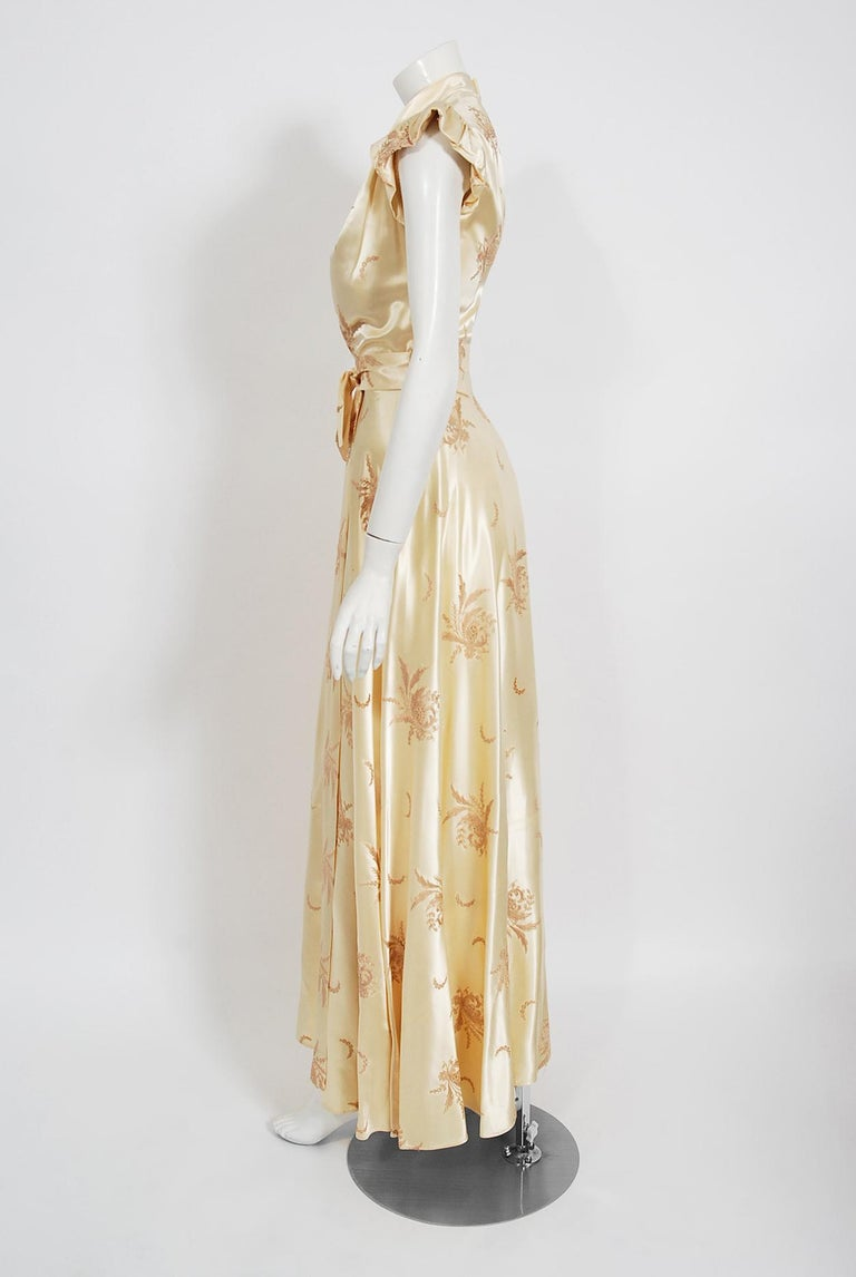 Vintage 1940's Embroidered Creme Silk Satin Belted Wrap Bridal Dressing Gown 1