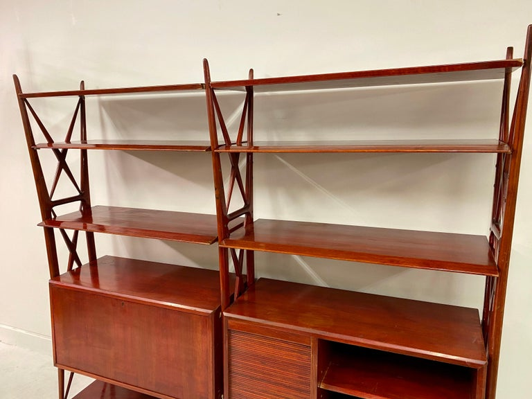 Vintage 1940s Italian Red Lacquered Wall Unit by Silvio Cavatorta In Good Condition For Sale In London, London