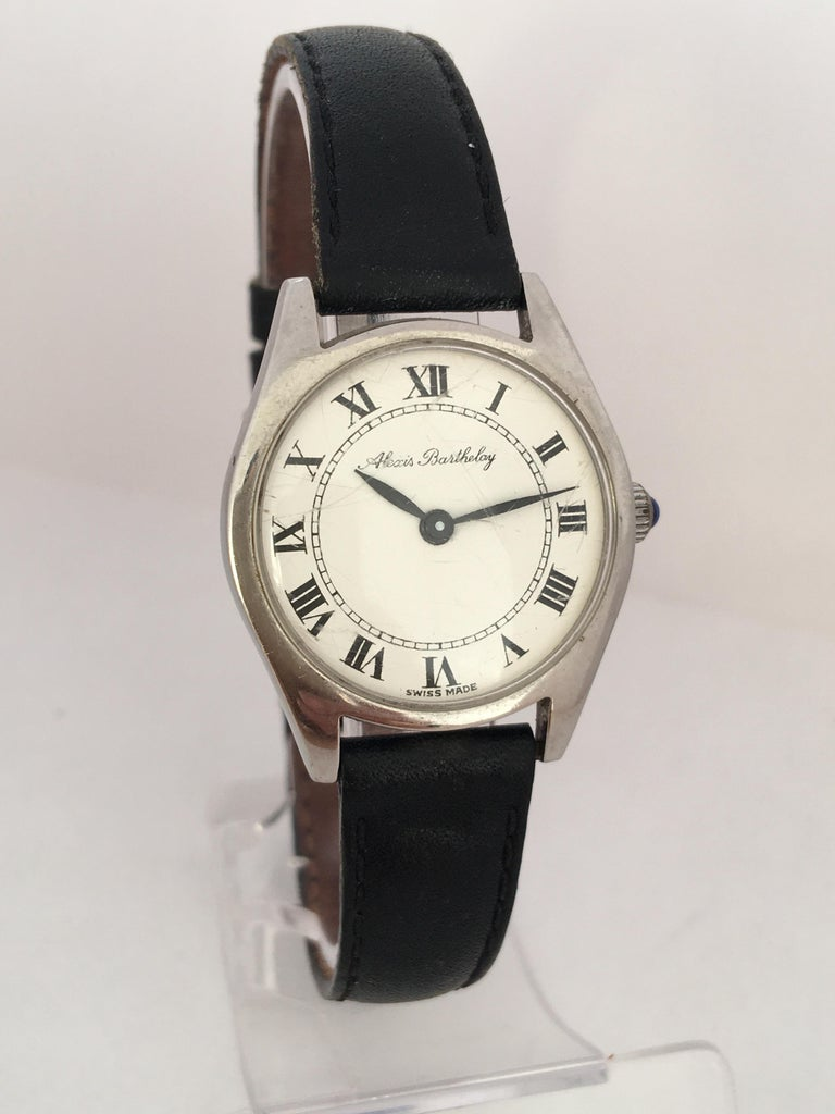 Vintage 1940s Mechanical Watch In Good Condition For Sale In Carlisle, GB