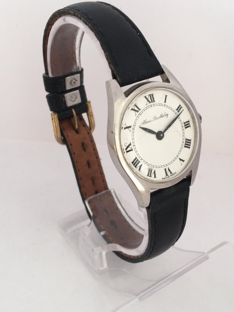 Women's Vintage 1940s Mechanical Watch For Sale
