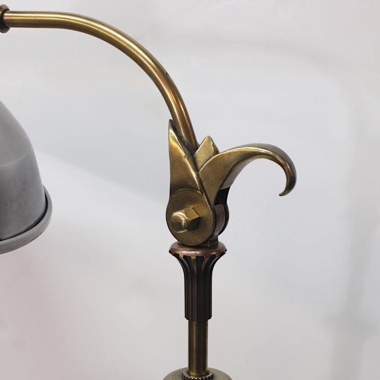 Vintage 1940s Mid-Century Modern Industrial Aluminum GE Sunlamp Floor Lamp In Good Condition In Lafayette, IN