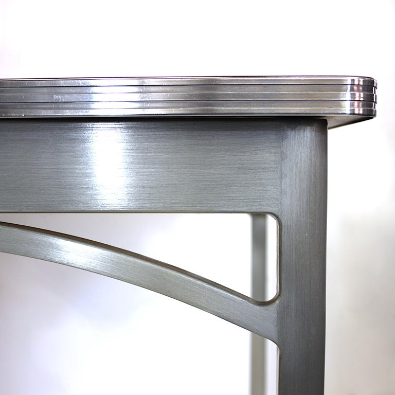 Vintage 1940s Mid-Century Modern Industrial Aluminum Table & Chairs by GoodForm In Excellent Condition For Sale In Lafayette, IN