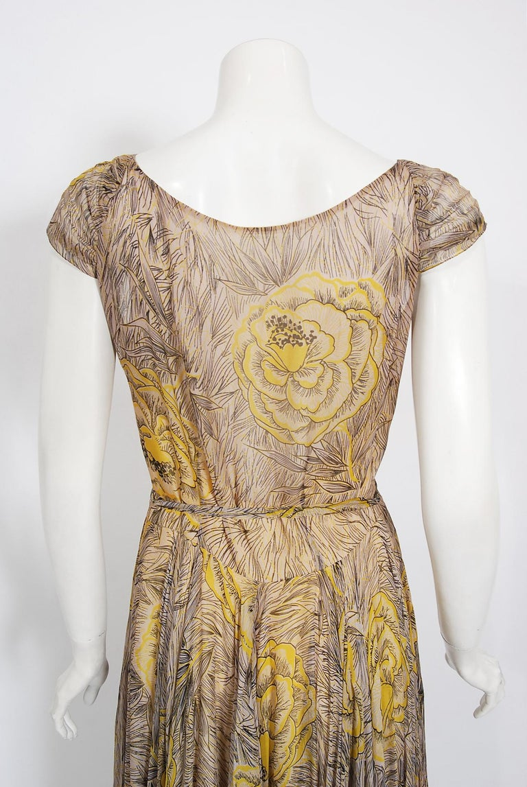 Vintage 1940's Sophie Gimbel Yellow-Roses Floral Silk Cap-Sleeve Plunge Gown For Sale 4