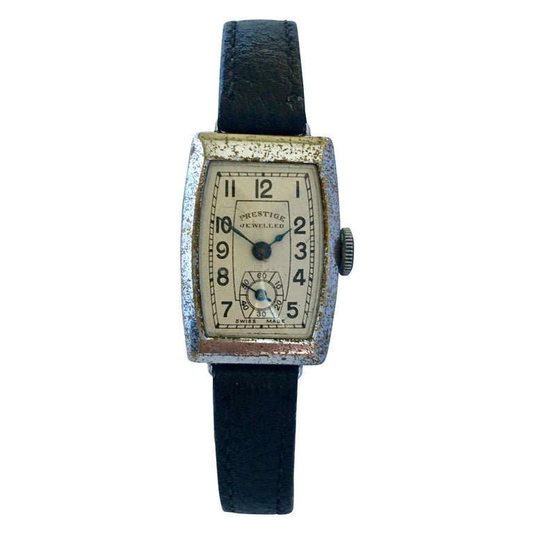 Vintage 1940s Swiss Mechanical Watch For Sale