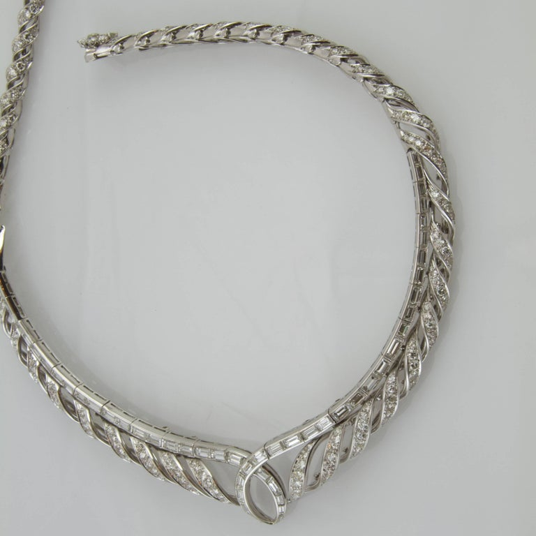 Vintage 1950 Platinum and Gold Diamond Necklace Made in France In Good Condition For Sale In Paris, FR