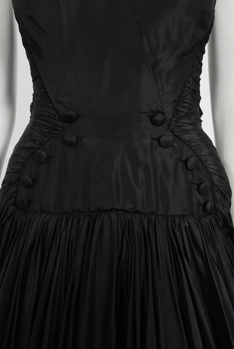 Vintage 1950's French Couture Black Heavily-Pleated Silk Strapless Party Dress In Good Condition For Sale In Beverly Hills, CA