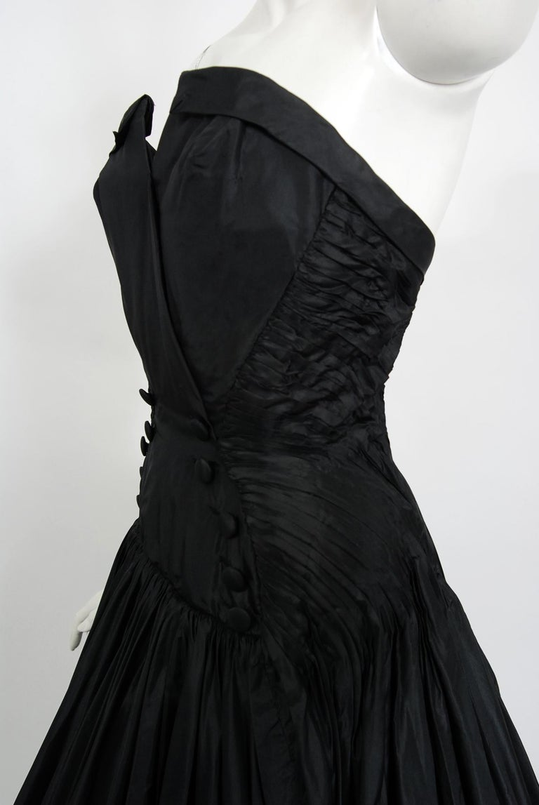 Vintage 1950's French Couture Black Heavily-Pleated Silk Strapless Party Dress For Sale 2