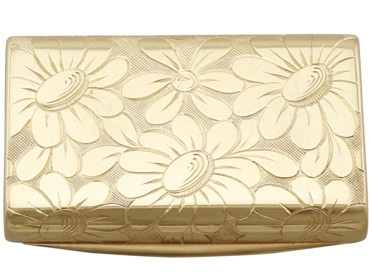 1950s French Yellow Gold and Diamond Box by Van Cleef & Arpels For Sale 2