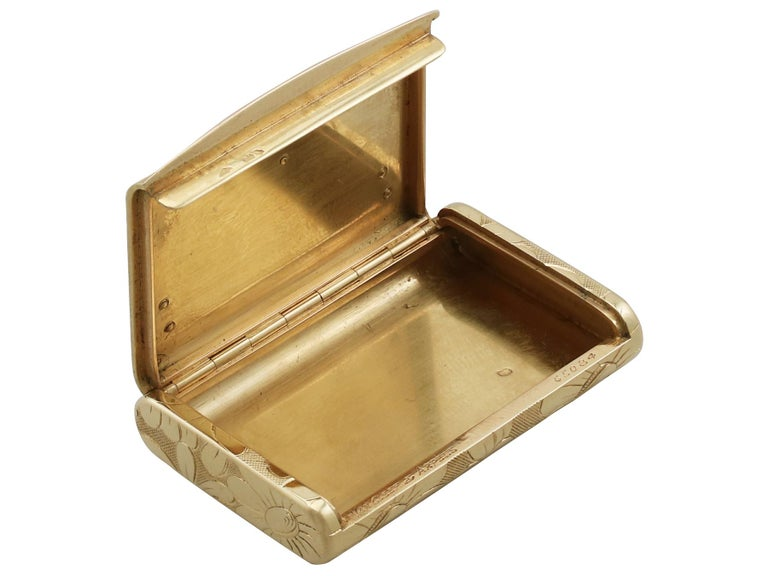 1950s French Yellow Gold and Diamond Box by Van Cleef & Arpels For Sale 4