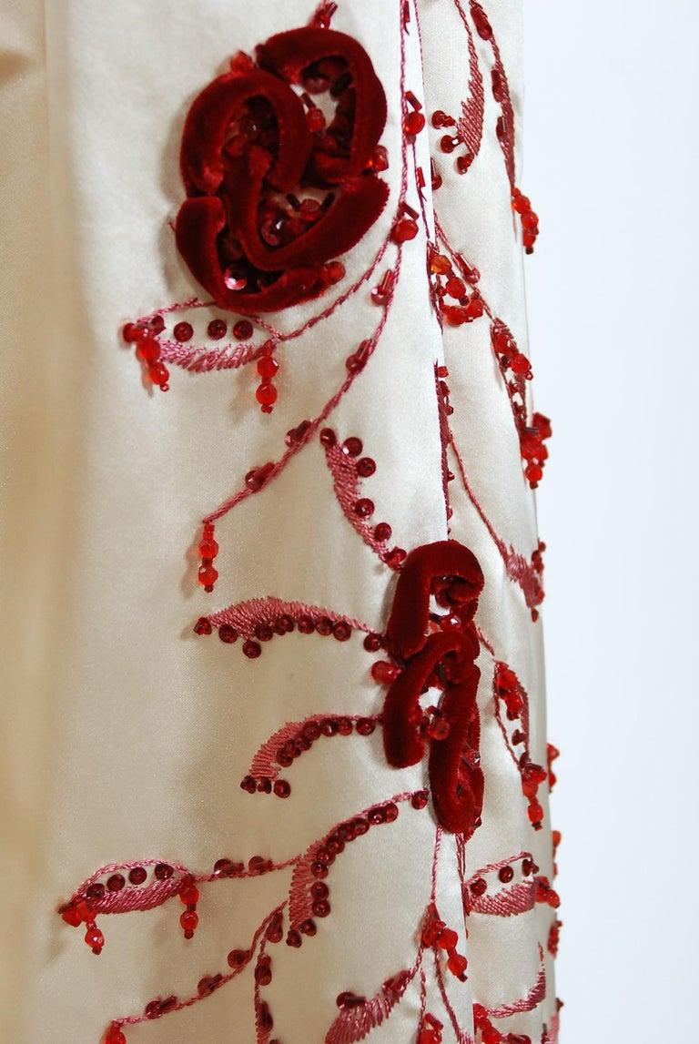 Vintage 1950's Harvey Berin Embroidered Floral Ivory Silk Strapless Bridal Dress For Sale 2