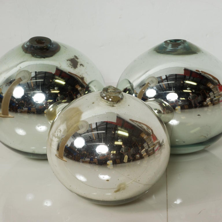 Mexican Vintage 1950s Mexico Mercury Glass Globes Gazing Ball Spheres- set of 3 For Sale