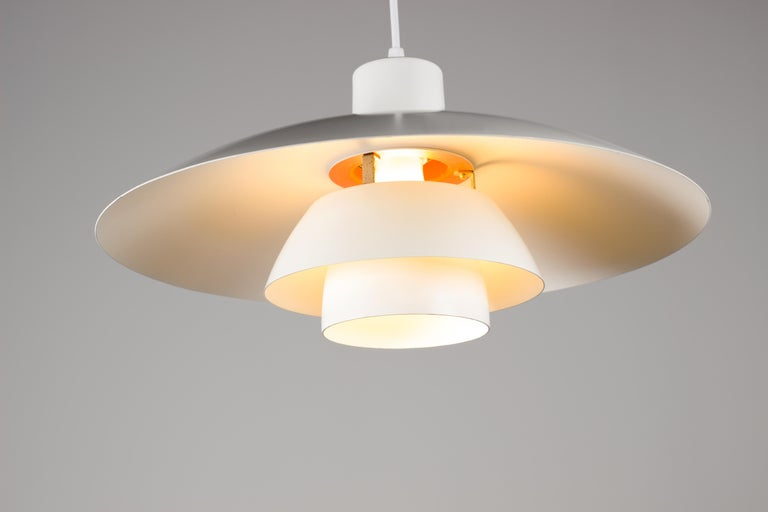 Vintage 1950s Poul Henningsen PH 4/3 Pendant Light for Louis Poulsen In Good Condition For Sale In Grand Cayman, KY